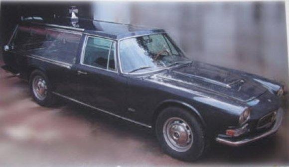 1967_Maserati_Quattroporte_4200_Funeral_Car_Front_1